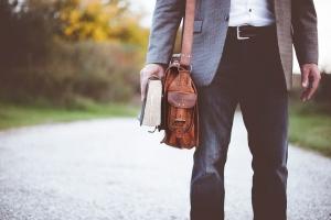 cara memilih tas selempang