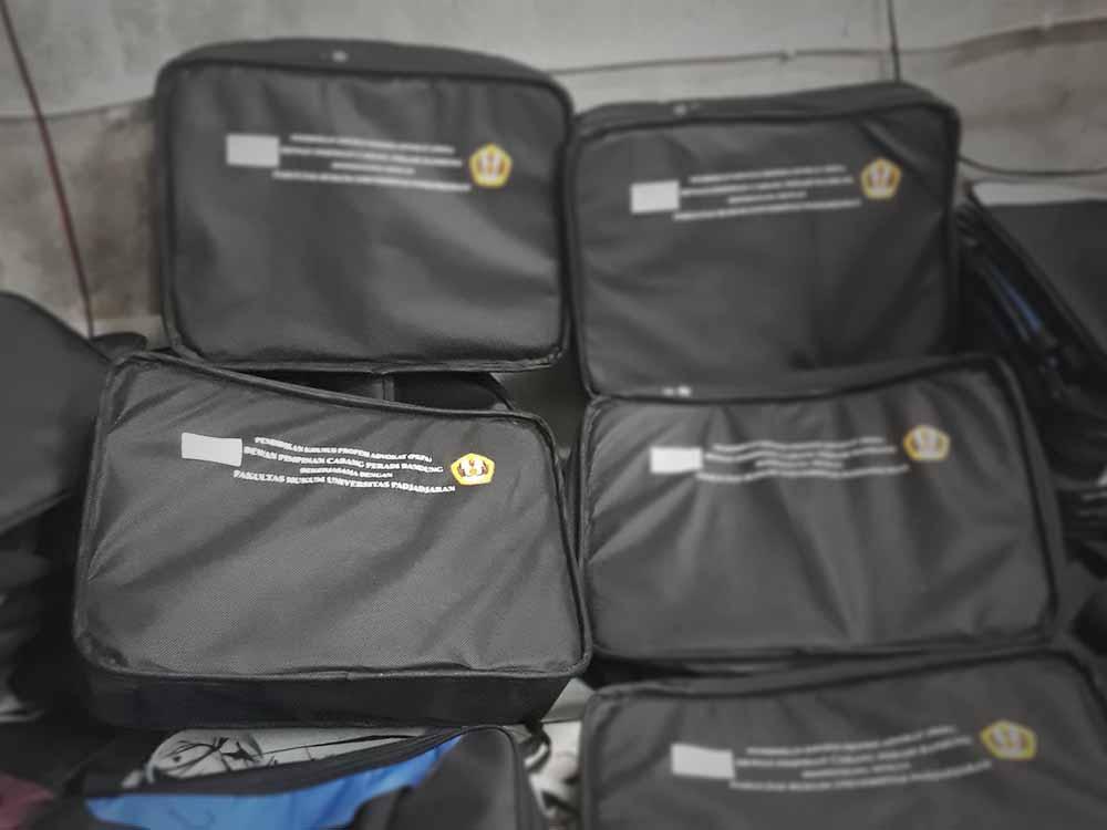 memilih tas laptop di konveksi tas seminar brebes